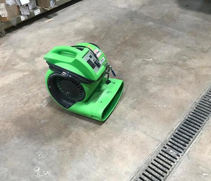 air mover for large ares of under carpets